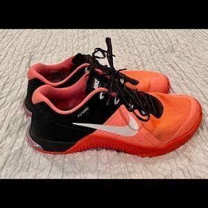 Women's Nike Metcon 2 Size 9